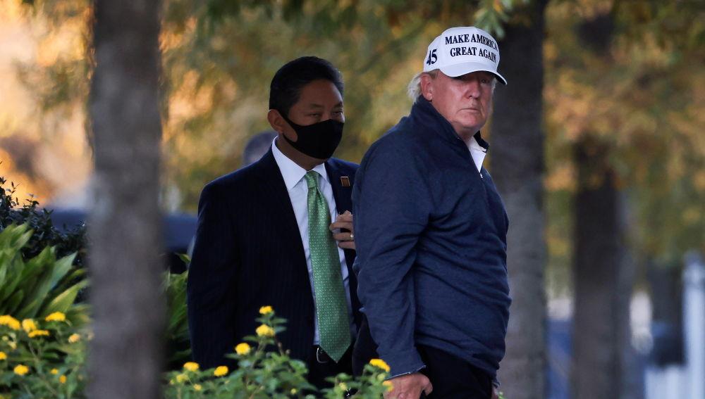 Donald Trump vuelve a la Casa Blanca después de enterarse de la victoria de Biden mientras jugaba al golf