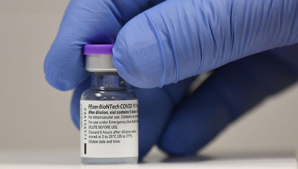 Así serán las tres fases de vacunación contra el coronavirus en España