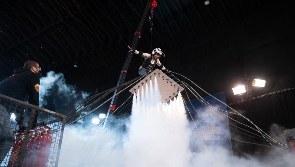 Marron toca el cielo de 'El Hormiguero 3.0' convirtiéndose en el cohete humano