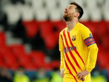 """El mensaje de Koeman a Messi tras la eliminación ante el PSG: """"No creo que tenga dudas del futuro de este equipo"""""""