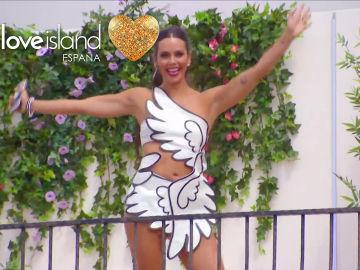 Love Island España - Cristina Pedroche se viste de cupido para enamorar en 'Love Island'