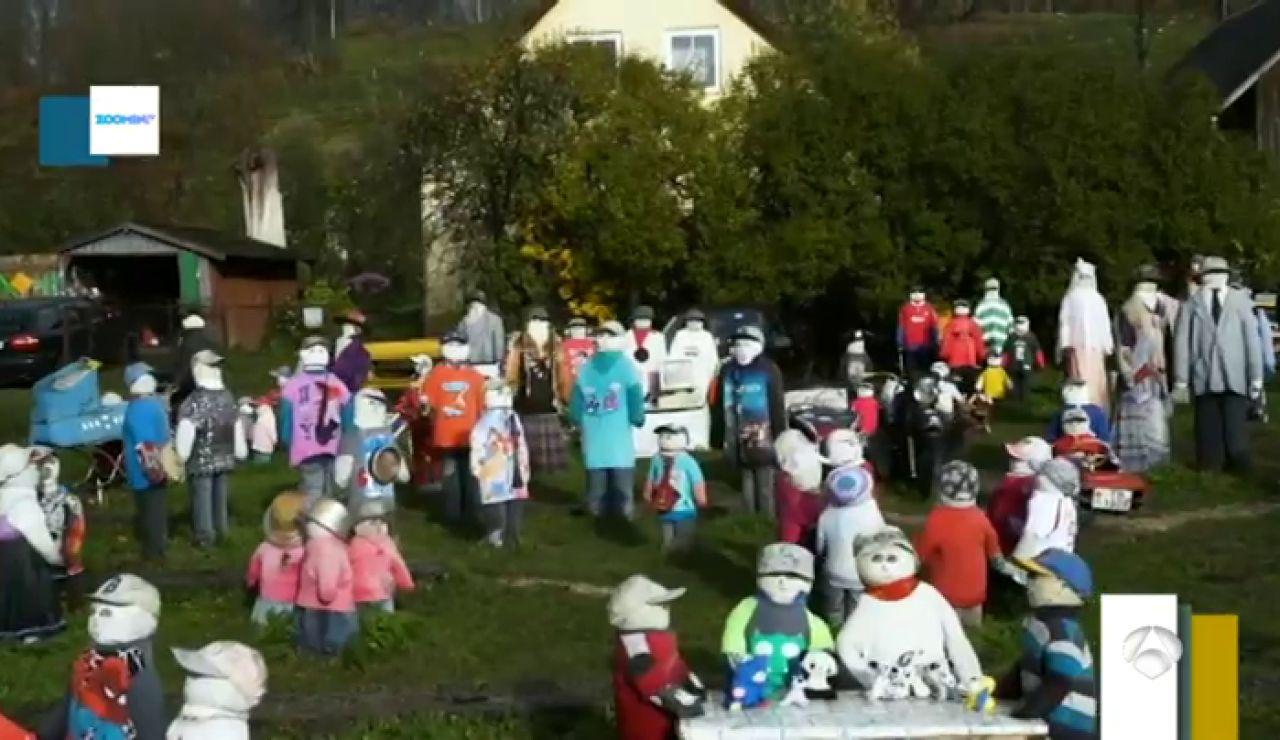 """El jardín lleno de muñecos que """"da miedo"""" a los vecinos de Sabile"""