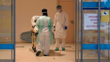 Según los datos facilitados por el Ministerio de Sanidad este lunes, la situación mas preocupante en las ucis está en Cataluña, con un 49,7 % de ocupación, seguida de las de Madrid, con el 31,3%, y Aragón, con el 22,5%