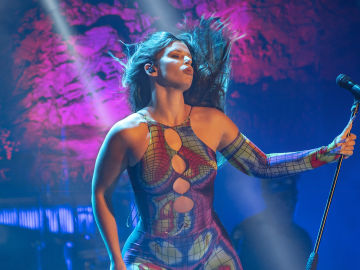 La diosa latina, Nathy Peluso, enloquece al público de Starlite Catalana Occidente con un rompedor show