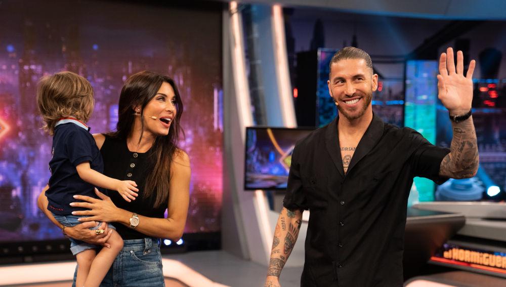 Sergio Ramos sorprende a Pilar Rubio en 'El Hormiguero 3.0': aparece con uno de sus hijos