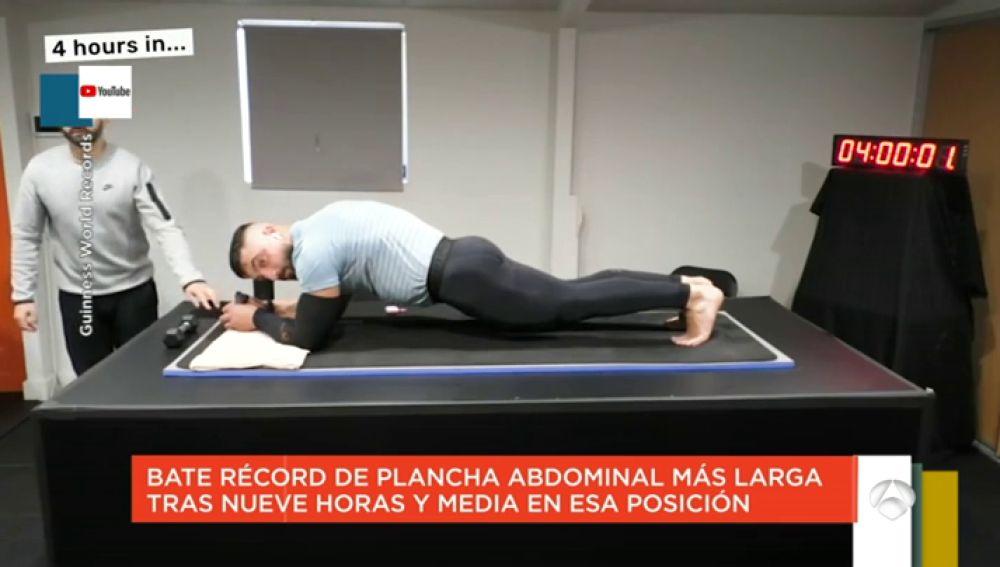 Los 'zapeanders' alucinan con el récord Guinness de plancha abdominal