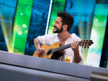 Camilo canta en directo en 'El Hormiguero'